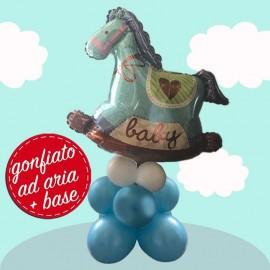 composizione con palloncino cavallo a dondolo blu