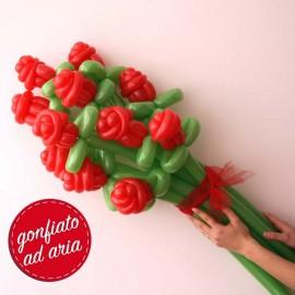 rose rosse con palloncini